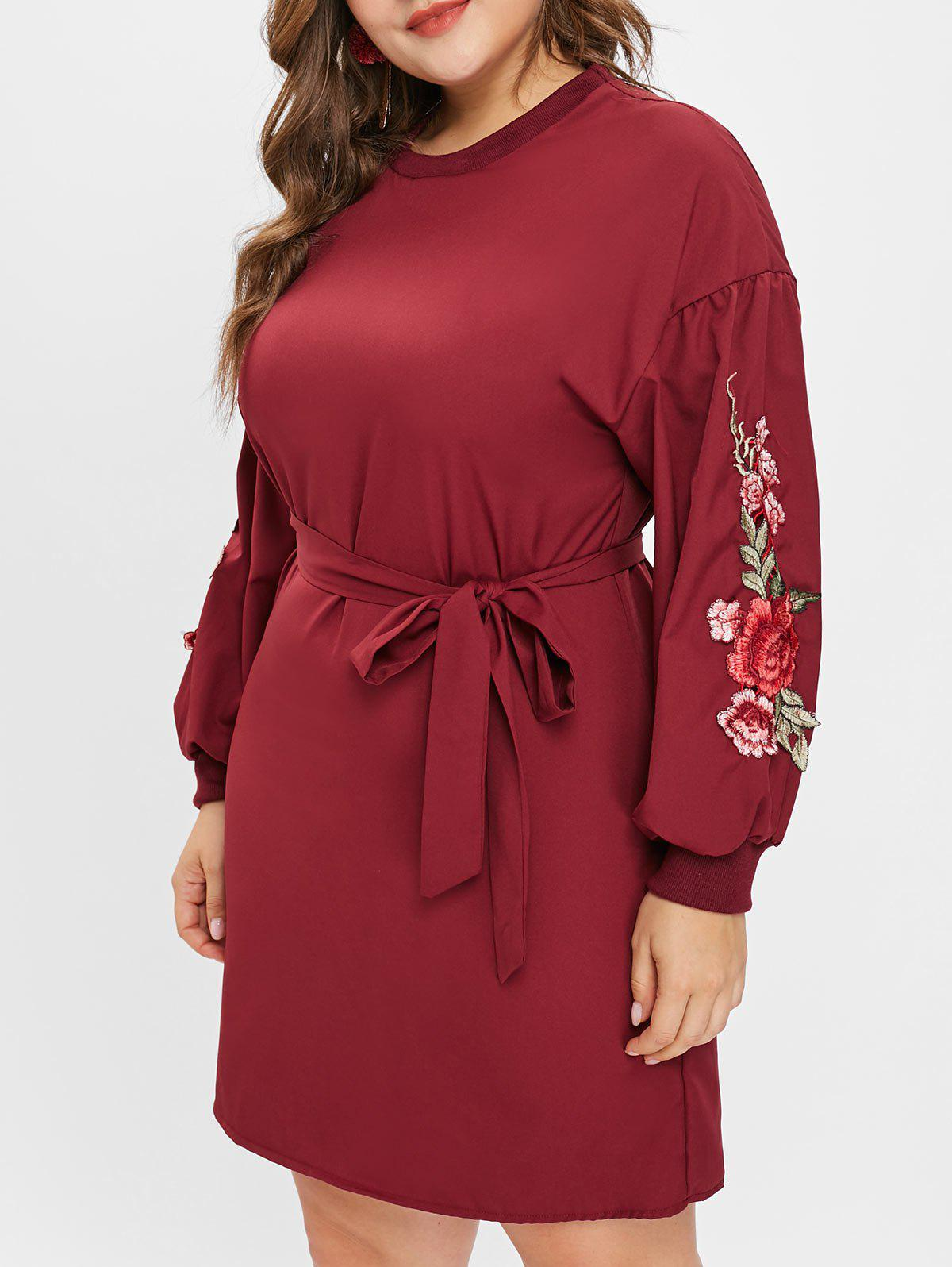 Outfits Floral Applique Plus Size Round Neck Dress with Belt