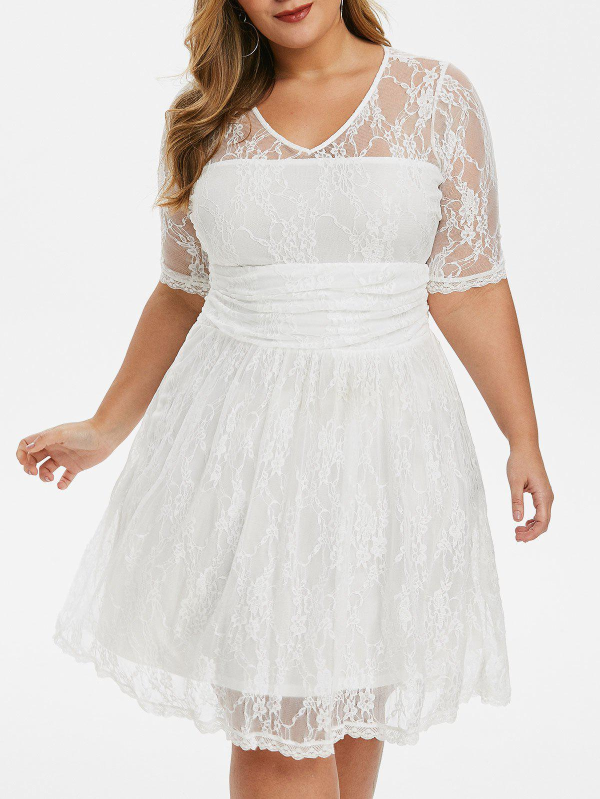 Scalloped Hem Ruched Plus Size Lace Dress