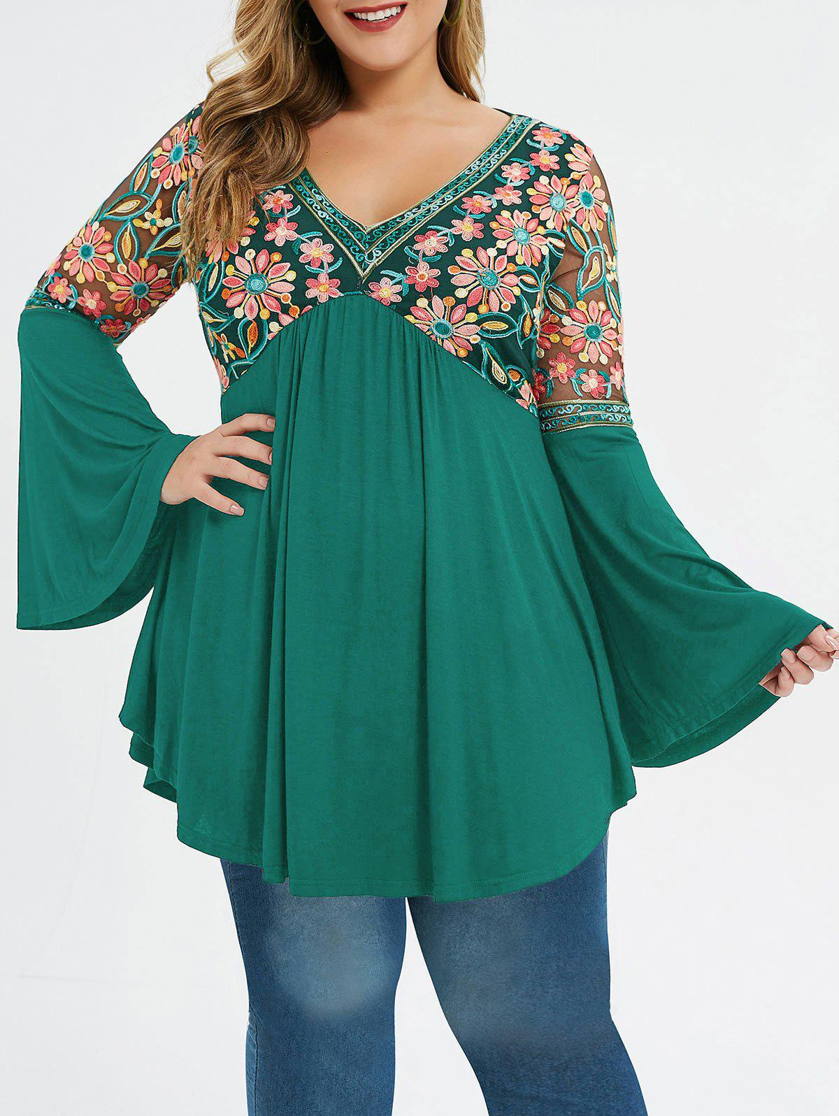 Outfits Plus Size Flare Sleeve Embroidered T-shirt