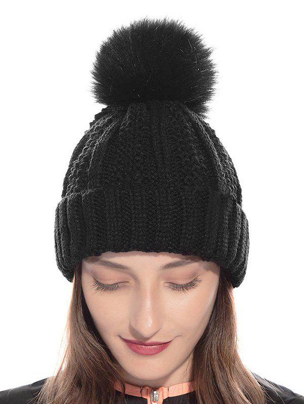 Outfit Classic Fuzzy Ball Winter Knitted Hat