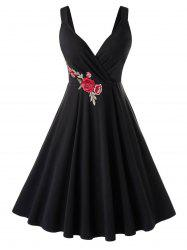 Plus Size Flower Applique A Line Retro Plunge Dress -