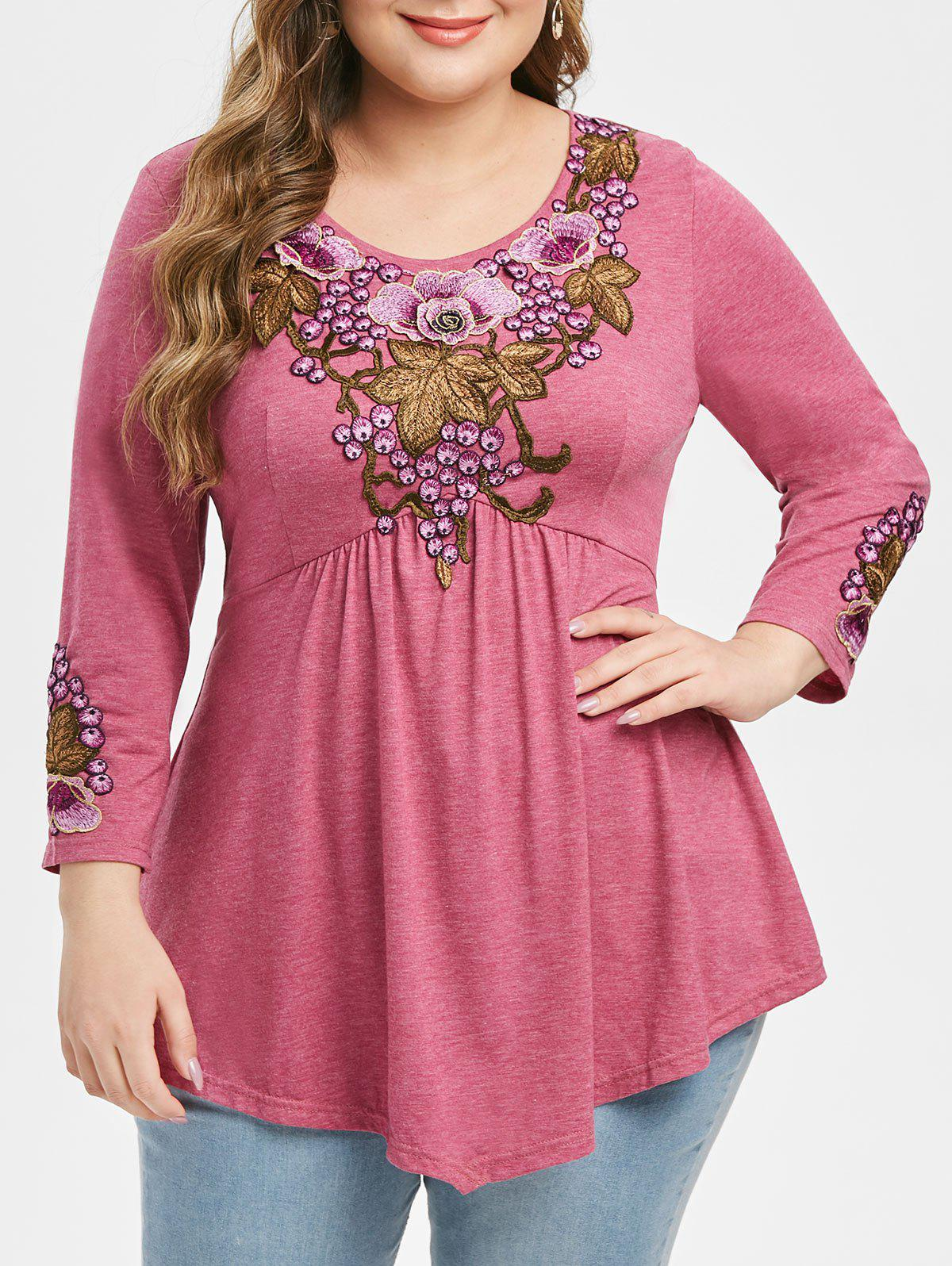 Heathered Floral Embroidered Applique Plus Size Top фото
