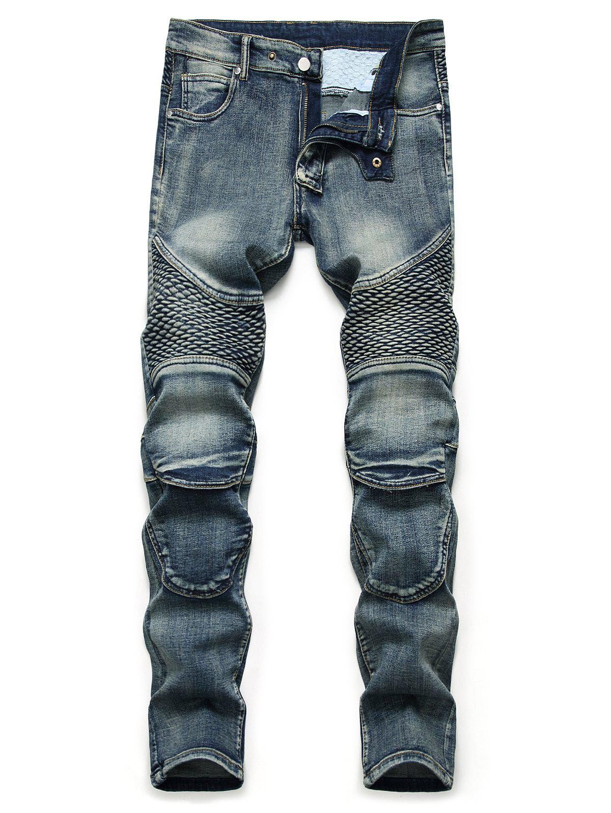 Outfit Light Wash Multi Pockets Tapered Jeans