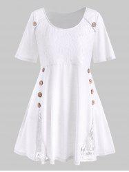 Plus Size Flower Lace Button Embellished T-shirt -