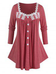 Plus Size Applique Panel Buttoned Curved Tunic Tee -