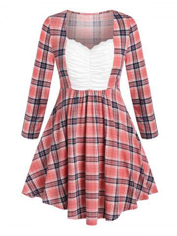 Plus Size Plaid Ruched Bust Curved Hem Tunic Tee - PINK - L