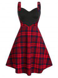 Plus Size Plaid Cupped Eyelet Buckle A Line Dress -