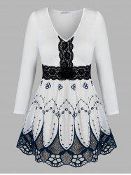 Plus Size Lace Insert Flower Embroidered Blouse -