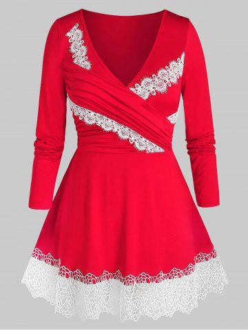 Plus Size Surplice Guipure Lace Ruched A Line Tee - RED - 5X