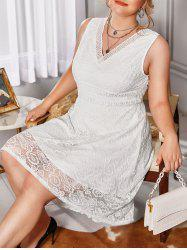 Plus Size Hollow Butterfly Floral Pattern Lace Dress -