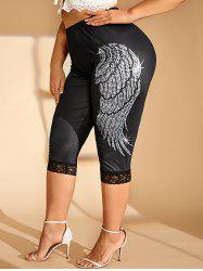 Plus Size Lace Hem Wing Print Capri Leggings -