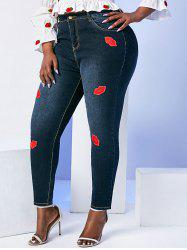 Mid Rise Lips Patched Plus Size Skinny Jeans -