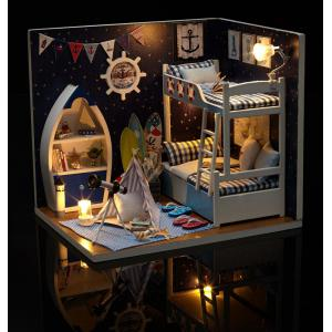 CUTEROOM H - 011 - A DIY Wooden Doll House Furniture Handcraft Miniature Box Kit - Gazing Skywards - Multicolore