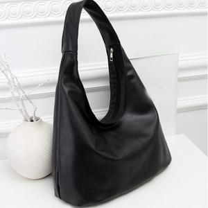 New Style Single Shoulder Fashionable Tassel Small Bag -