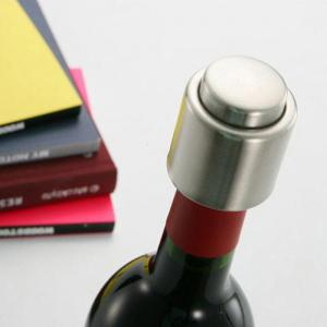 Stainless Steel Red Wine Bottle Stopper Push Type Vacuum Sealed Pout Liquor Flow Cap - SILVER