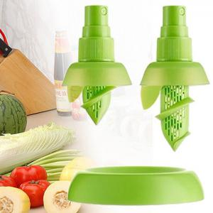 2PCS Multi-functional Citrus Sprayer Manual Lemon Fruit Juice Squeezer Reamer Tools - GREEN