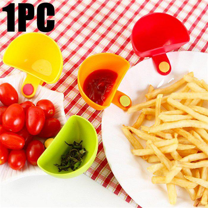 Multi-functional Plastic Clip Dishes Snacks Sauce Flavoring PlatesHOME<br><br>Color: COLORMIX; Type: Other Kitchen Accessories; Material: Plastic;