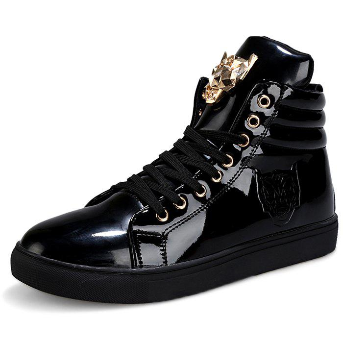 Trendy Stylish Metal Decoration Leisure Sneakers