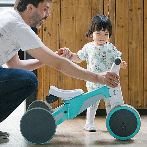 New 700Kids Child Deformable Balance Car Tricycle Ride and Slip Dual Modes from Xiaomi youpin