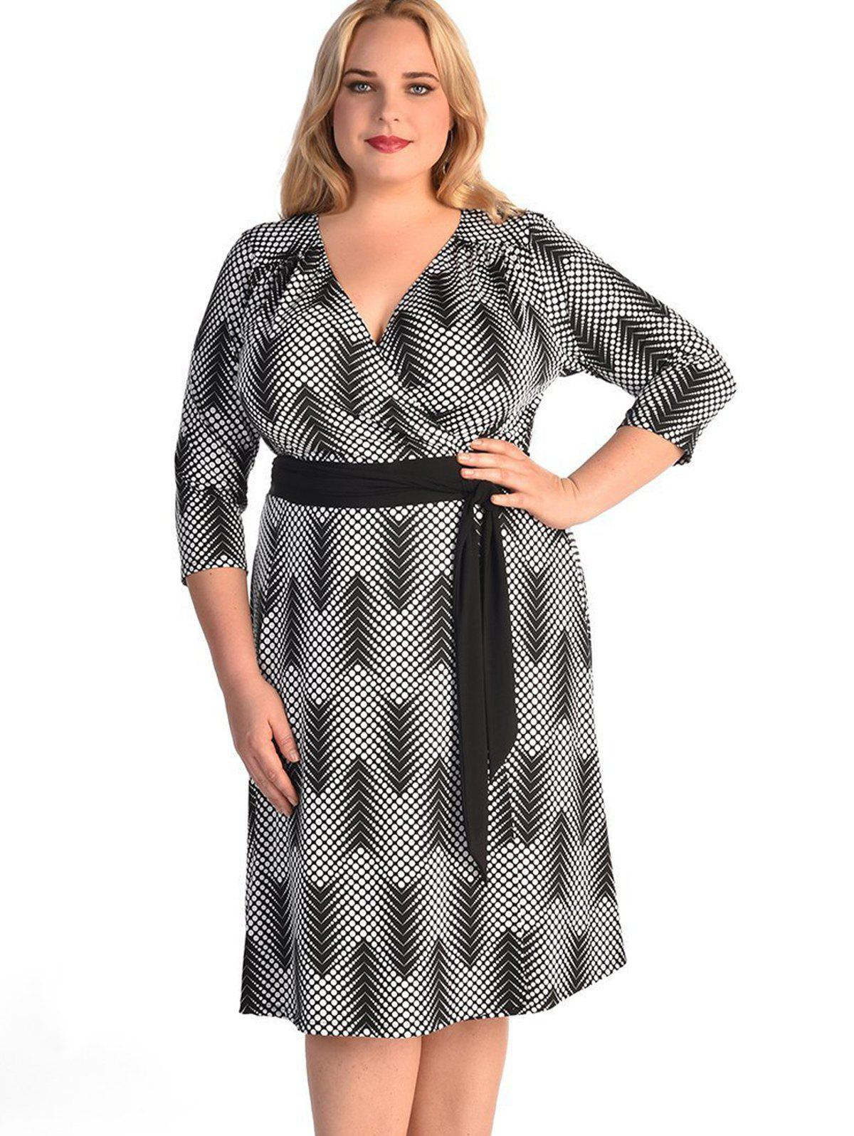 Chic Plus Size 3/4 Sleeve Print Contrast Belt Dress