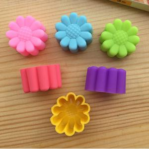 Macroart 6PCS Cake Molds Novelty Cooking Utensils Bread Chocolate Cake Silica Gel Baking Tool Kitchen Gadget - COLOR ASSORTED 3*2.2CM