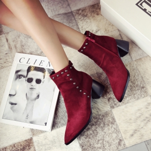 Women's Vogue Pointed Toe Rivet Ornament Casual Shoes -