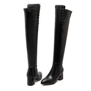 In Autumn and Winter New Fashionable Medium Thick Heel Boots -
