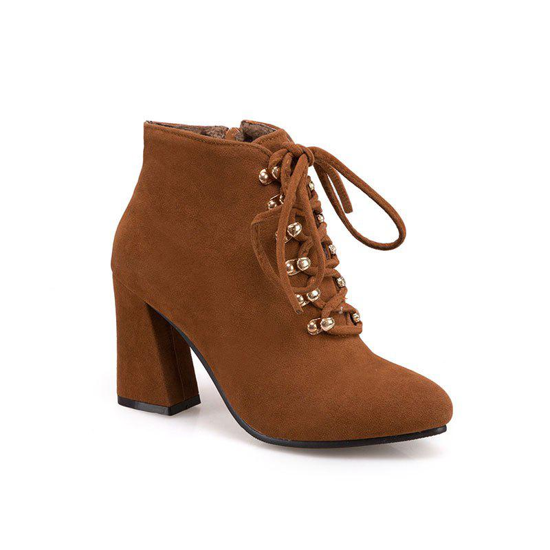 Trendy The New Fashion Line Is Studded with High Heels and Women's Boots