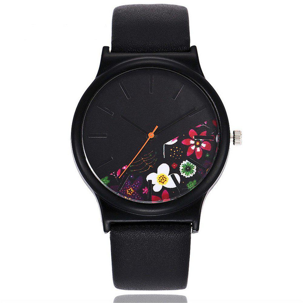 New Vintage Leather Band Women Flower Pattern Casual Quartz Watch