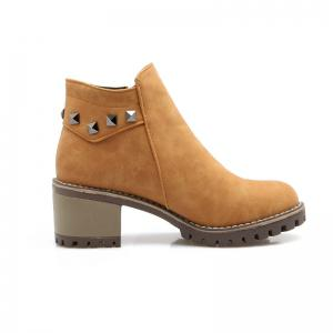 Round Head with The Chunky Short Boots -