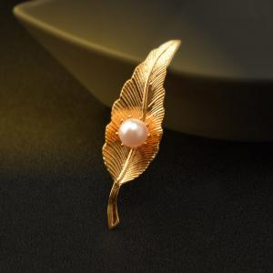 Copper Electroplating gold leaf brooch for Woman Gold Color Pin Pearl Leaves Brooches -