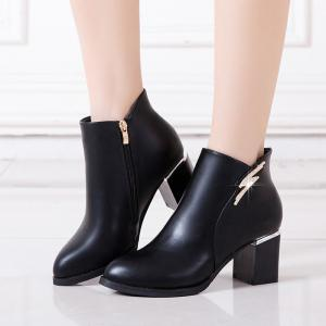 2017 New Winter with Cashmere Pointed Thick Heeled Slip All-match Fashion Boots -