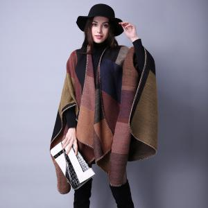 One-piece Plaid Cashmere Sweater with A Thick Knit Sweater and A Cape -