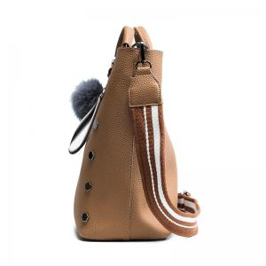 The Embossed Bucket Bag 2018 New Six Angle Rivet Bag Female Bag Casual Shoulder Bag Tide -