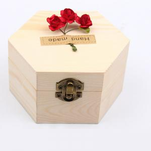 Soap Flower Sweet Solid Artificial Rose Flower With Wooden Box -