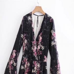 New Lady V Collar Horn Sleeve Velvet Printed Romper -