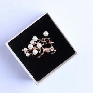 Women Girls Crystal Rhinestone Elk Deer Pendant Brooch Fine Jewelry Gifts Ornament -