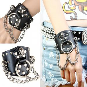 Europe and The United States Trend of Non-Mainstream Exaggerated Atmospheric Rivets Leather Bracelet -