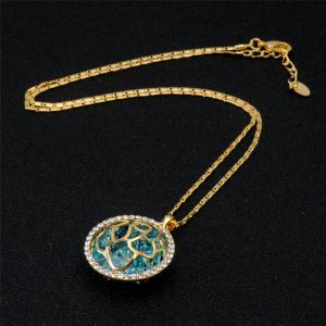 Fashionable Rose Pattern Crystal Pendant Necklace -