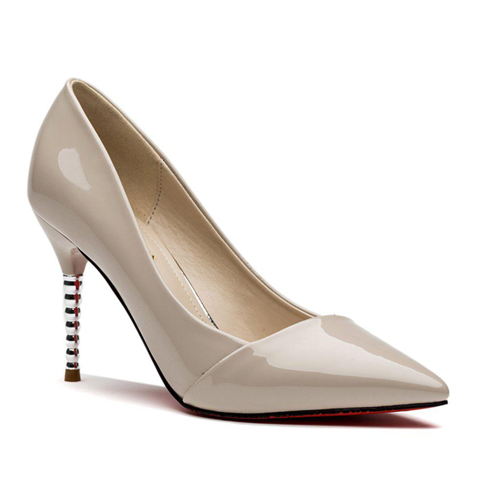 Outfit Female Stilettos and Pointy Shoes