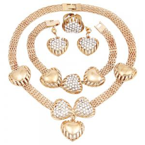 Gold-plated Heart-Shaped Pendant on Four Pieces -