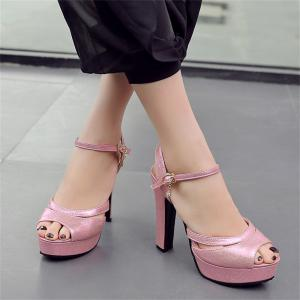 Femmes Chaussures Ankle Strap Chunky Sandales à talons -