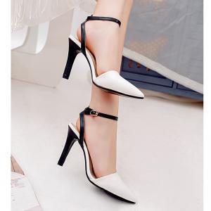 Chaussures pointues creuses -