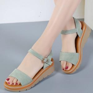 New Women Flat Slope with A Buckle New High-Heeled Sandals -