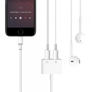 Dual Headphone Jack Adapter Audio with Charge Splitter for iPhone X / 8/ 7 Plus -