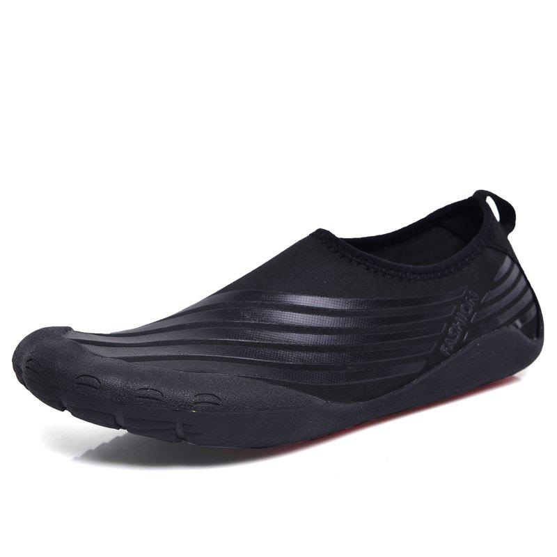 New Lightweight Swimming Breathable Shoes Men Beach Shoes Comfort Flats Sneakers