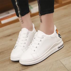 2018 New Casual Shoes All-match Embroidery -