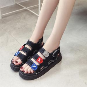 Pine Cake Thick Bottom  Buckle Leisure Wear Beach Shoes -