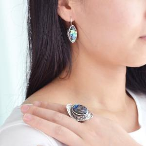 Colorful Shell Craved Finger Ring and Hoop Earrings -