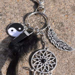 Natural Crystal Alloy Tassel Tai Chi Ring Key Chain -